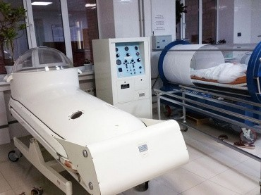 Hyperbaric oxygenation and ozone therapy